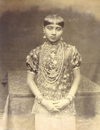 kandyan-girl